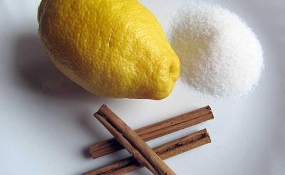Limón, canela y azúcar para hacer las torrijas